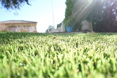Las micras y la duración del césped artificial