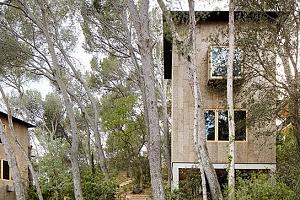 Casas de corcho para combatir el cambio climático
