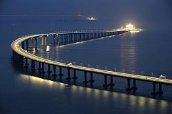 China estrena el puente más largo del mundo sobre el mar