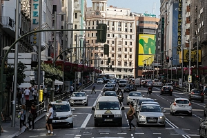 La Gran Vía de Madrid se cerrará al tráfico privado de forma permanente desde Navidad