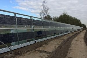 SOLAR INNOVA suministra 240 módulos fotovoltaicos BIPV para instalar en barrera acústica de carretera en Holanda