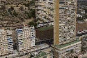 Más de la mitad de los edificios costeros de los años 60 no resistirían un terremoto