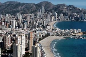 Turismo aflora en verano 2.562 viviendas ilegales