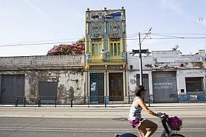 Del colorit del Cabanyal a la sobrietat de la nova Casa del Rellotger: quan l'edifici dóna la cara