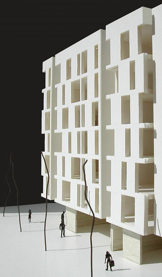 Edificio 24 viviendas, locales y aparcamiento entre medianeras . San Juan de Alicante . Alacant . España