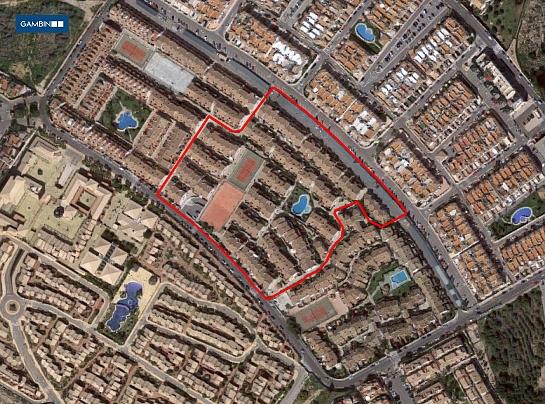 Urbanización de 130 bungalows . Arenales del Sol . Alacant . España