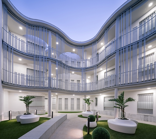 Edificio para 21 viviendas, garajes y trasteros . Sevilla . Sevilla . España