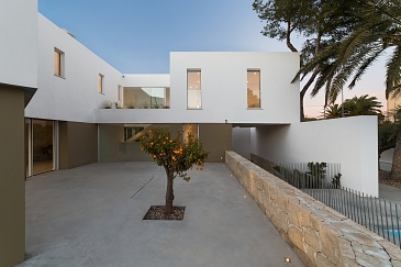 Casa desnuda_ Vivienda unifamiliar zona Loft (Campello) Carmen Rivera & Maribel Requena . Campello . Alacant . España