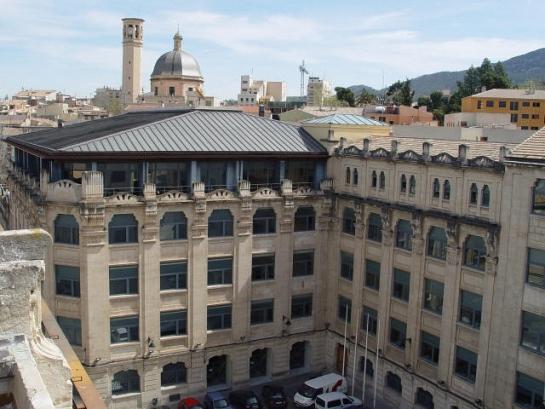 Reforma y Ampliación de la antigua fábrica de Ferrándiz para aulario de la E.P.S.A de Alcoy . Alcoy . Alacant . España