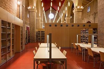 Adecuación de la Iglesia de Santa Lucía para uso de centro de documentación de artes escénicas . Sevilla . Sevilla . España