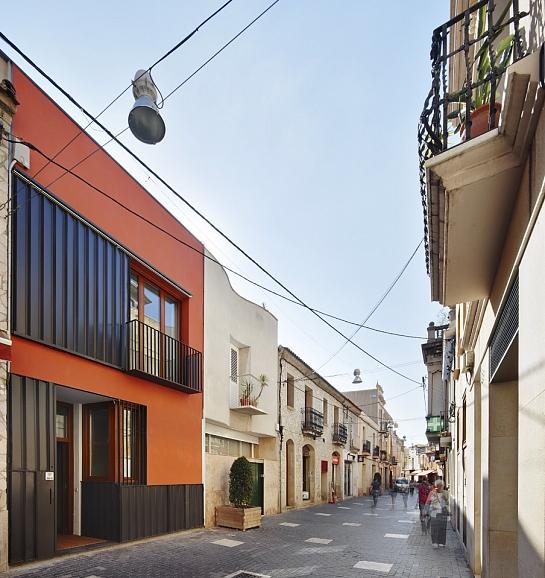 CASA PATIO VERTICAL . El Prat de Llobregat . Barcelona . España
