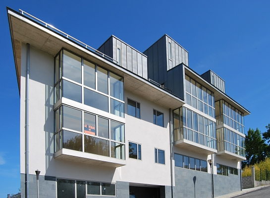 Edificio de 11 Viviendas y Local Ares . Ares . A Coruña . España