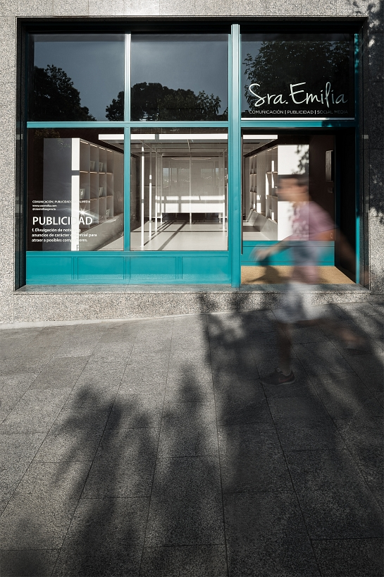 Sra. Emilia | Agencia de Comunicación y Publicidad . Pontevedra . Pontevedra . España