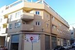 Edificio para 15 viviendas, local y aparcamiento