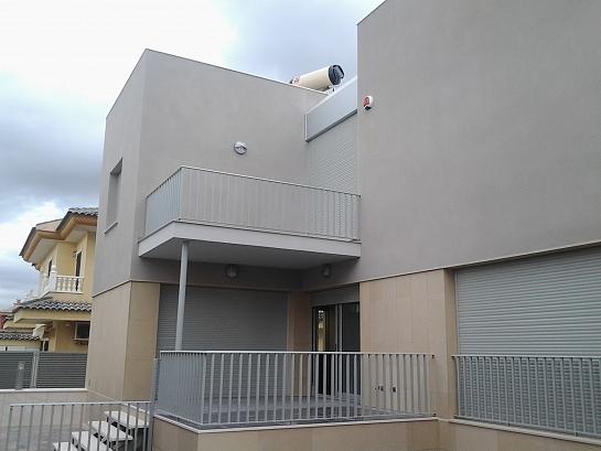 Vivienda unifamiliar y piscina . Almoradí . Alacant . España