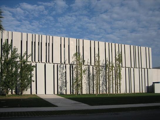 Acondicionamiento de nave industrial para oficinas de Alhambra International . Alicante . Alacant . España