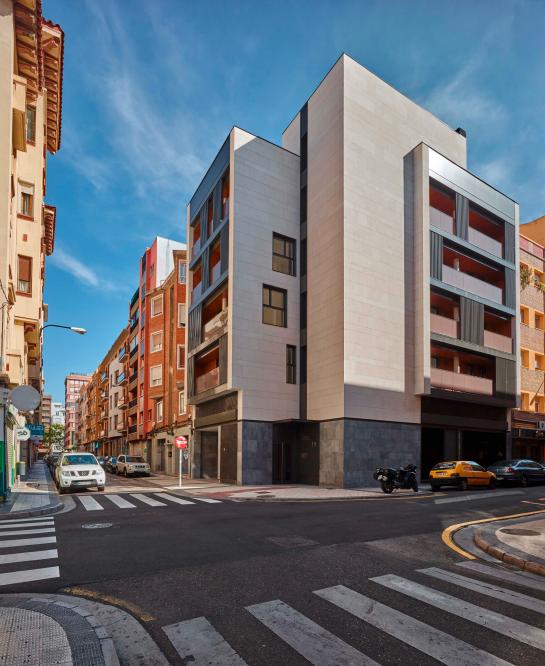 Edificio Cervantes . Zaragoza . Zaragoza . España