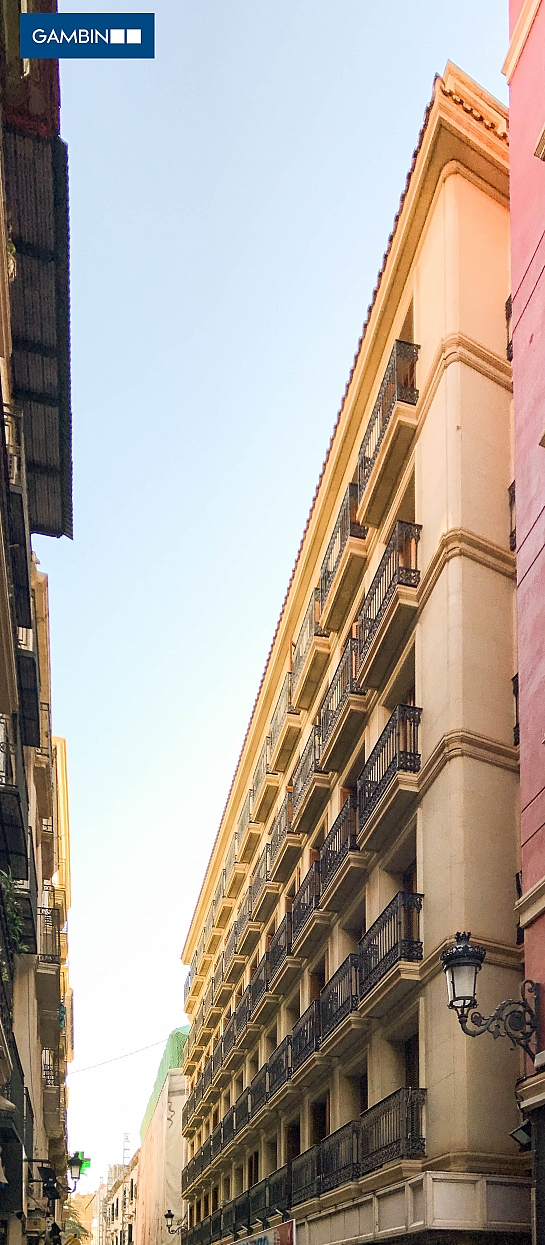 Edificio comercial en Calle Mayor . Alicante . Alacant . España