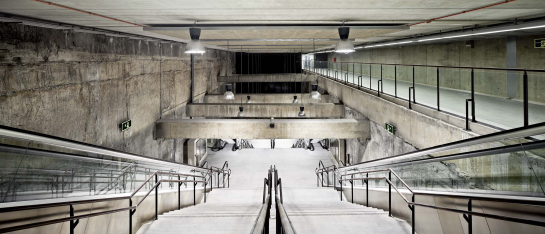 Tres estaciones de la Línea 9 del Metro de Barcelona . Barcelona . Barcelona . España