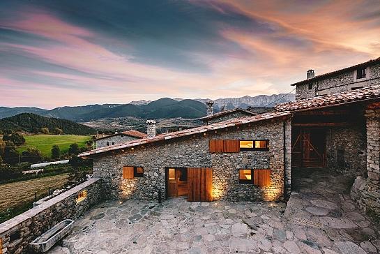 Rehabilitación de un conjunto de casas en la Cerdanya . Girona . Girona . España