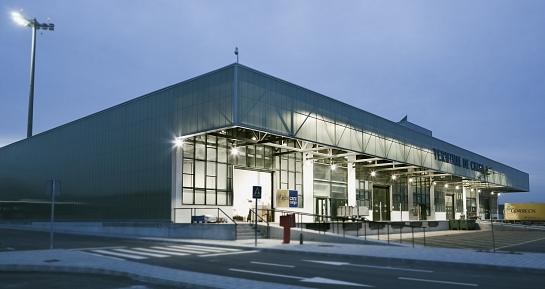 Nuevo Terminal de Carga y edificio de aduanas anexo. Aeropuerto de Málaga . Málaga . Málaga . España