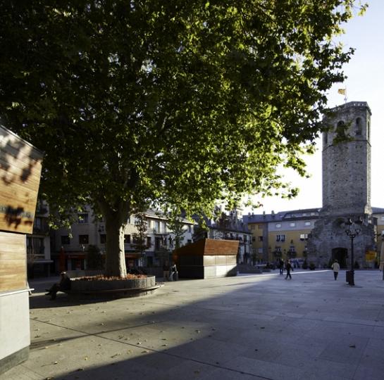 Remodelación de las Plazas Santa Maria i dels Herois de Puigcerdà . Girona . Girona . España