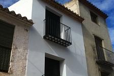Reforma y ampliación de cubierta, estructura y fachada . Vilafames . Castellón . España . 2011