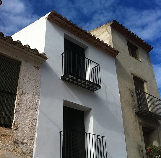 Reforma y ampliación de cubierta, estructura y fachada . Vilafames . Castellón . España
