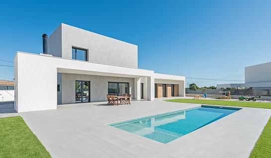 Vivienda unifamiliar y piscina . San Vicente del Raspeig . Alacant . España
