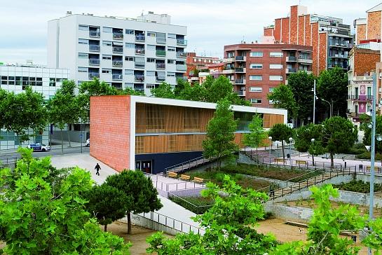 Casal para la Tercera Edad del Baix Guinardó . Barcelona . Barcelona . España